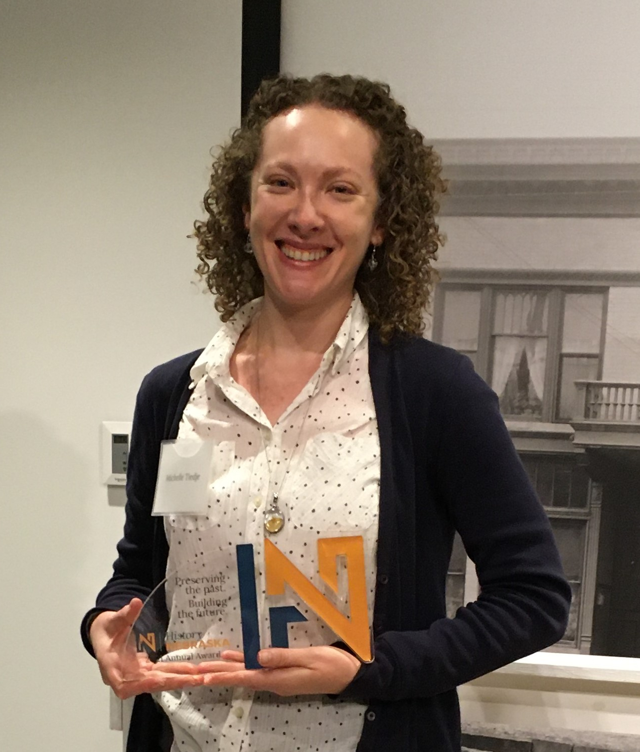 Michelle Tiedje with the Foundation's Champion of History award.